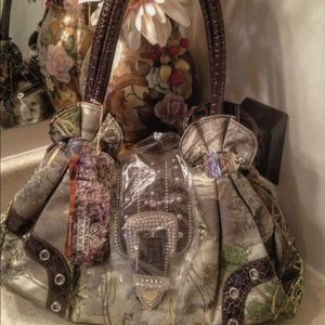 Handbags - REALTREE MAX-1 HANDBAG